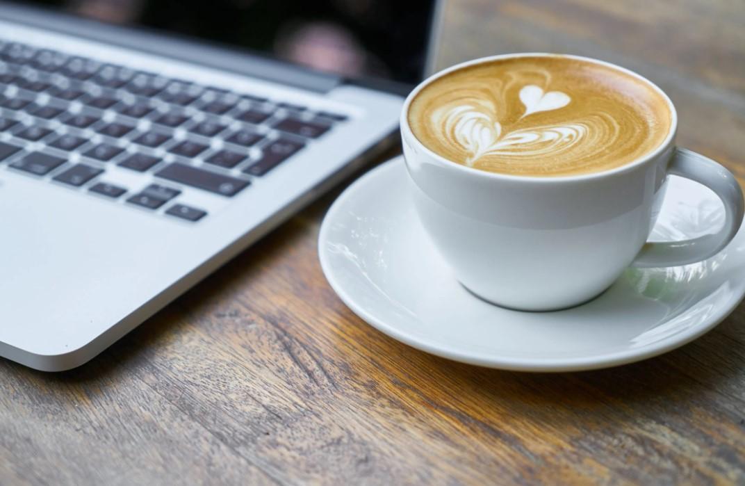 Die korrekte Behandlung eines Kaffeevollautomaten