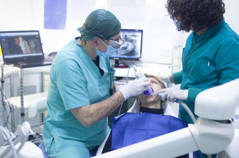 Die richtige Zahnpflege für gesunde Zähne